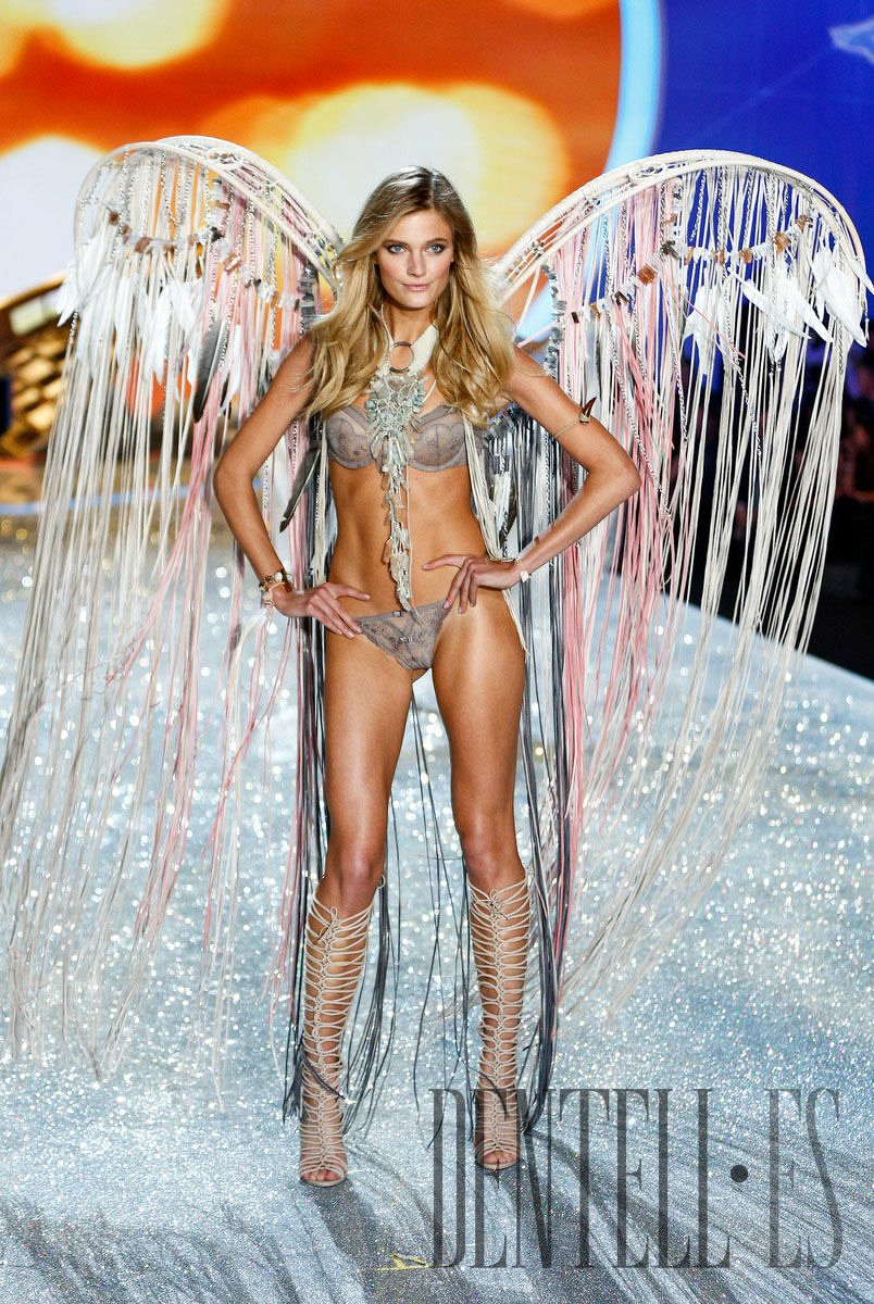 Victoria's Secret «Shipwrecked», 2013 fashion show - Lencería - 1