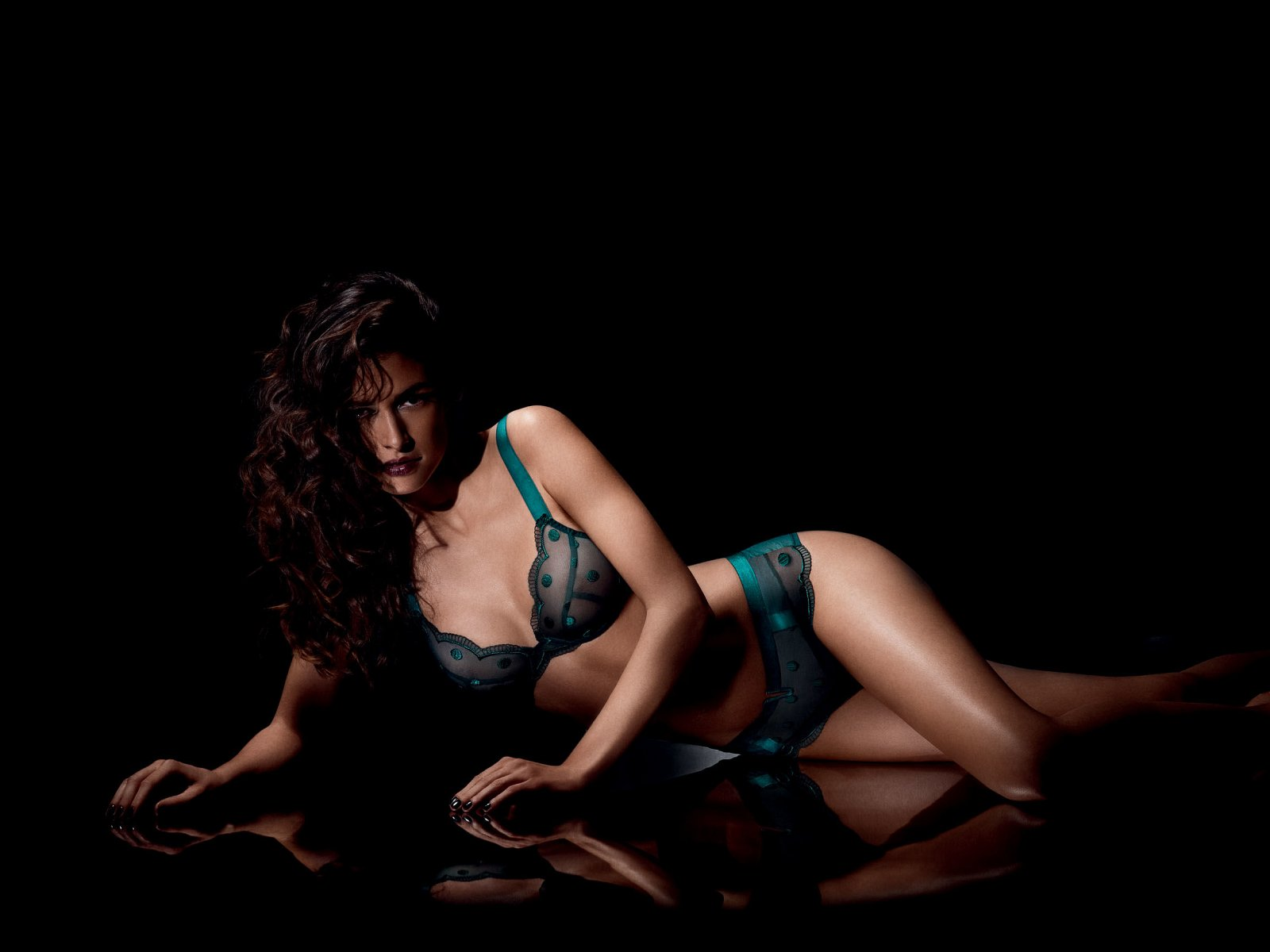 Implicite Herbst/Winter 2013-2014 - Dessous - 1