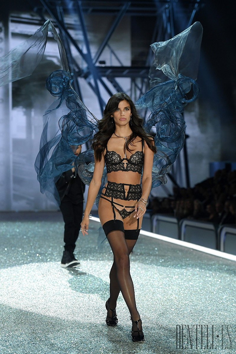 "Victoria's Secret ""Secret Angel"", 2016 fashion show - Lingerie - 3"